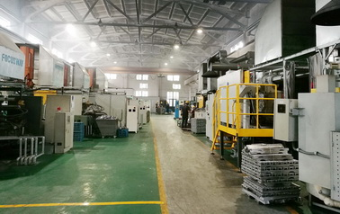 As a casting manufactory, Focusway equip with 160T, 280T, 500T, 800T, 1250T high pressure die casting machines, with mechanical arms.