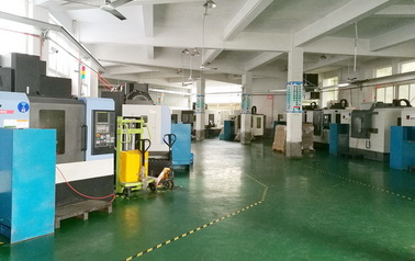 Focusway machining workshop is equipped with 16 sets CNC machining centers, and kinds of drilling machine, providing professional machining service.